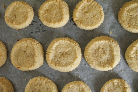 almond crusted shortbread