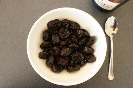 prunes soaking