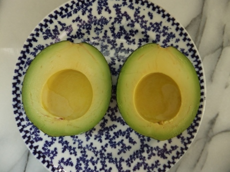 avocado in half